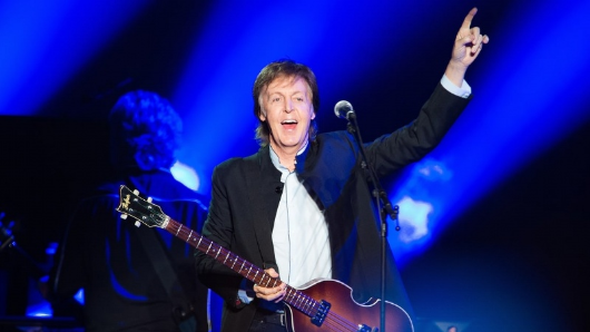 ¡Paul McCartney sorprendió con un show en la estación Grand Central de Nueva York!