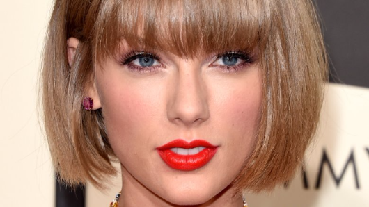 Taylor Swift takes stand in groping lawsuit