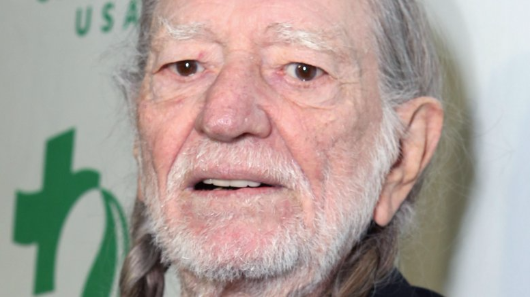 Willie Nelson hospitalized after experiencing breathing problems during concert