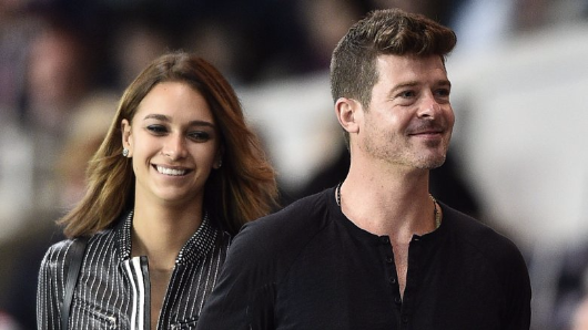Robin Thicke expecting baby with 22-year-old girlfriend