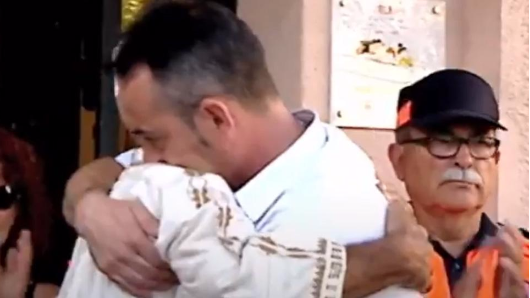 Father of Barcelona attack victim embraces Imam in show of unity
