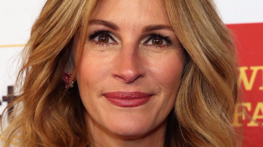 Julia Roberts condemns Harvey Weinstein, supports his accusers