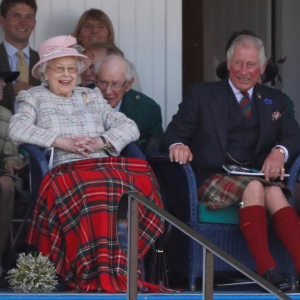 Queen, Philip celebrate 70 years marriage