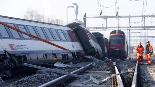 Five injured after German trains collide