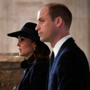 Royals attend Grenfell Tower fire memorial
