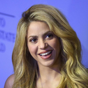 Shakira world tour off again due to injury