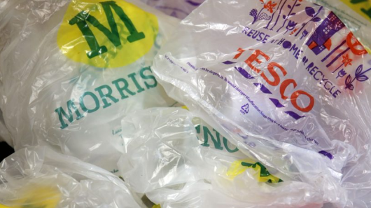 UK to 'eliminate plastic waste' by 2033