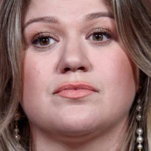 Kelly Clarkson on raising daughter: 'I'm not above a spanking'