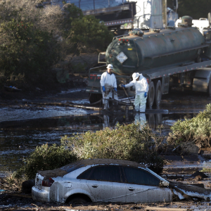 Twenty people die in California mudslides
