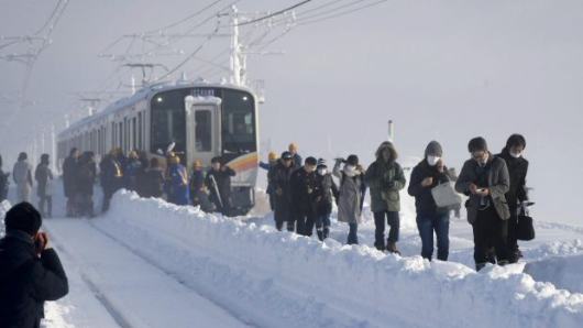 Aussies stranded as snow storm hits Tokyo
